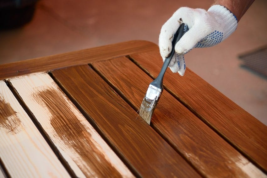 applying interior stain